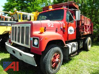(#92) 1992 International 2574 Dump Truck