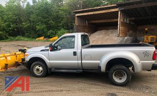 2015 Ford F350 XLT Super Duty Dually Pickup Truck with Plow
