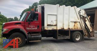 2005 International 7400 Packer Truck
