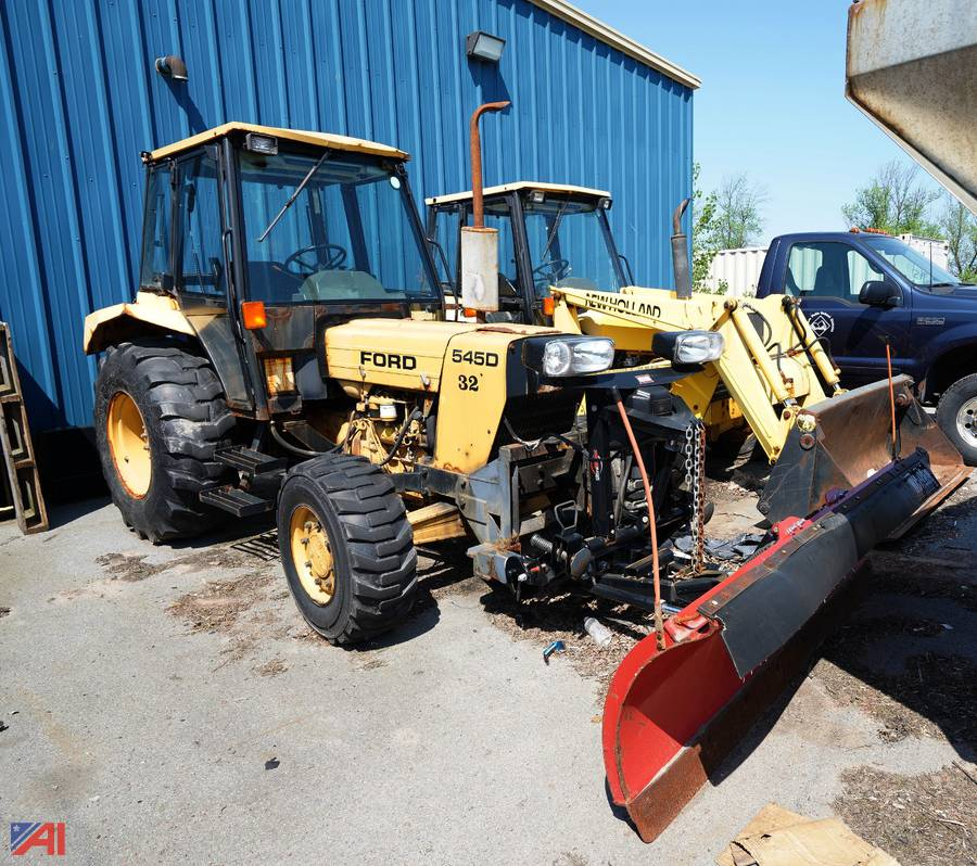 Auctions International Auction Niagara Falls Csd Ny 21917 Item 1997 Ford New Holland 545d Tractor With Plow 32