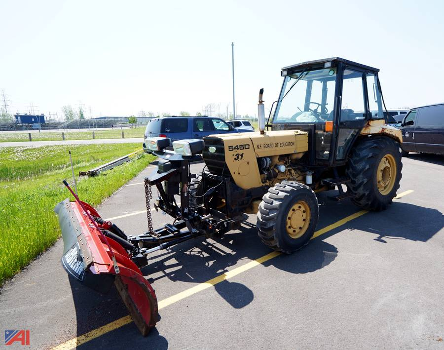 Auctions International Auction Niagara Falls Csd Ny 21917 Item 1997 Ford New Holland 545d Tractor With Plow 31