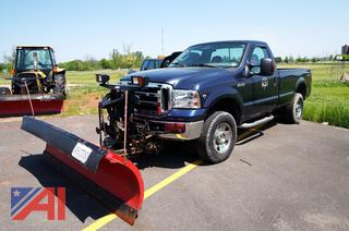 2006 Ford F250 XL Super Duty Regular Cab Pickup Truck with Plow/26