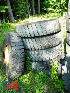 (#4) 12R24.5 Tires with Rims