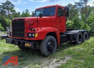2007 Freightliner FLD120 Semi Truck