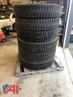 10R22.5 Traction Tires