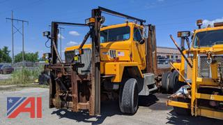 2000 International 5000 6x6 Cab & Chassis