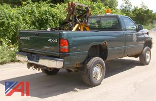 (#22) 2001 Dodge Ram 2500 Pickup Truck with Plow
