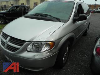 (#6) 2005 Dodge Caravan SXT Minvan