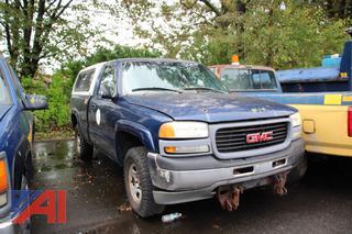 2002 GMC Sierra 1500 Pickup Truck with Cap