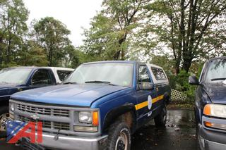 1997 Chevy C/K 1500 Pickup Truck with Cap