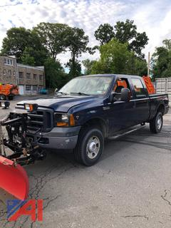 2007 Ford F350 Super Duty Crew Cab Pickup Truck with Plow