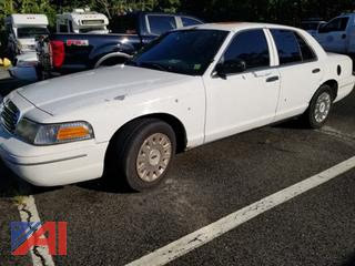 2003 Ford Crown Victoria 4 Door/Police Interceptor
