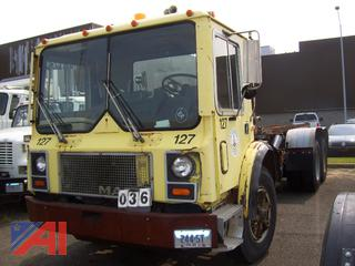 1988 Mack MR685S Roll Off