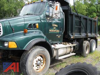(#15) 2006 Sterling LT9500 Dump Truck