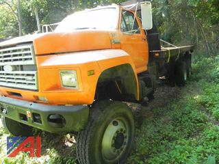 (#22) 1991 Ford F900 6 x 6 Flatbed Truck