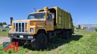 1999 International 2574 Packer Garbage Truck