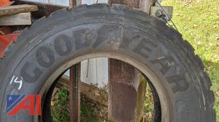 11R22.5 Drive Tire