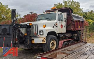 2001 International 2574 Dump Truck with Plows & Sander