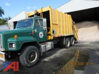 2002 International 2674 Garbage Truck