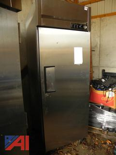 True STA1H-1S Full Height Insulated Mobile Heated Cabinet