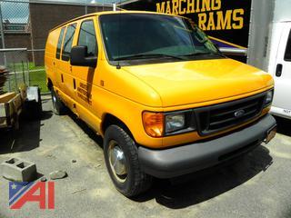 #V36 2006 Ford E250 Van