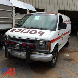 (#12) 2001 Chevy Express 3500 Van