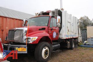 2004 International 7400 Refuse/Packer Truck