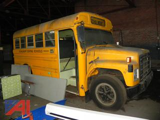 (#12) 1983 International 1853 Mini School Bus