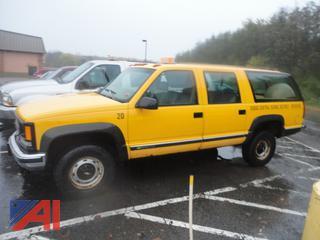 1997 Chevy K2500 3/4 Ton Suburban and Plow