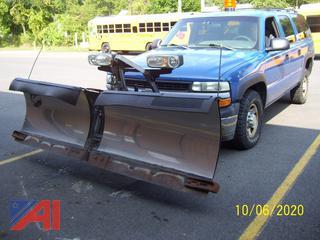 2002 Chevy 2500 Suburban & Plow