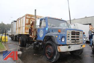 1985 International 1954 Vac Truck