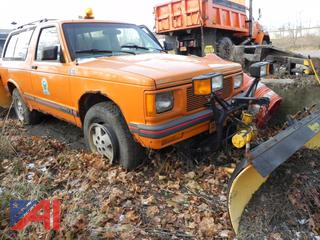 (#4) 1994 GMC Jimmy SUV with Plow
