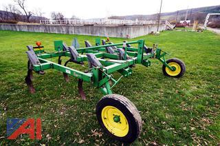 John Deere #610 Soil Management Chisel Plow System
