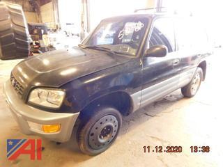 (#5288) 1998 Toyota RAV4 SUV