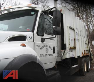 (#8) 2006 International 7600 Garbage Truck