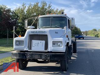 1983 Mack U60 Roll Off Truck