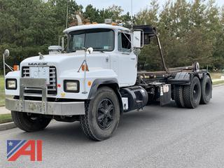 1998 Mack RD6 Roll Off Truck