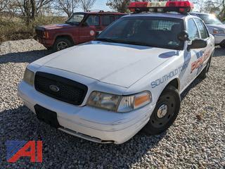 2003 Ford Crown Victoria 4 Door/Police Interceptor