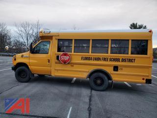 (#8) 2006 Ford E350 Super Duty Mini School Bus