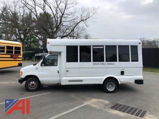 2001 Ford E450 Wheelchair Bus