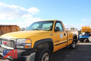 2002 GMC Sierra 2500HD Pickup/Dump Truck