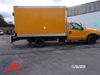 2003 Ford F350 XL Super Duty Box Truck