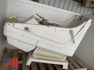 Oasis Handicap Tub