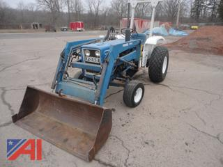 1981 Ford 1900 Tractor with Loader