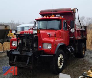 1991 Mack RD690P Dump Truck