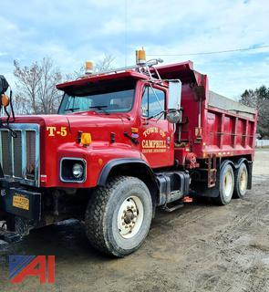 2002 International 2674 10 Wheel Dump Truck with Plow
