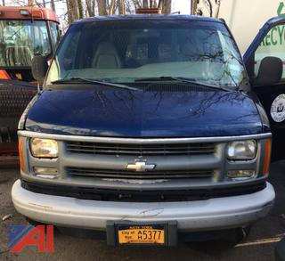 (#3) 2002 Chevy Express 3500 Extended Van