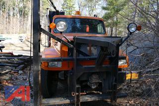 (#8) 1993 International 4900 Dump Truck with Spreader