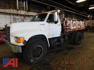 (#160) 1997 Ford F800 Dump Truck