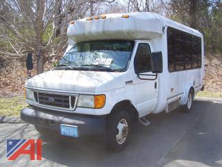 2007 Ford E350 Super Duty Wheelchair Bus